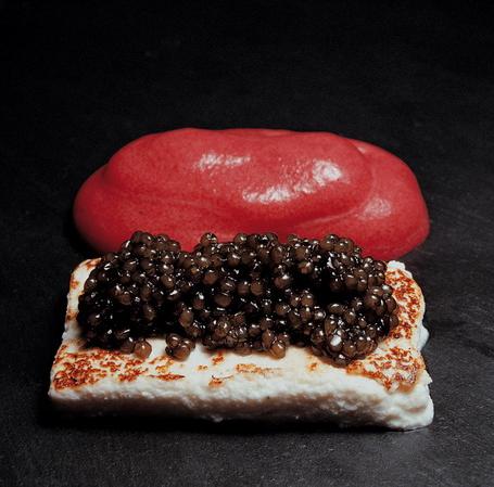 238 |   mató caliente con caviar y espuma de remolacha (El Bulli, 1994, tapa)