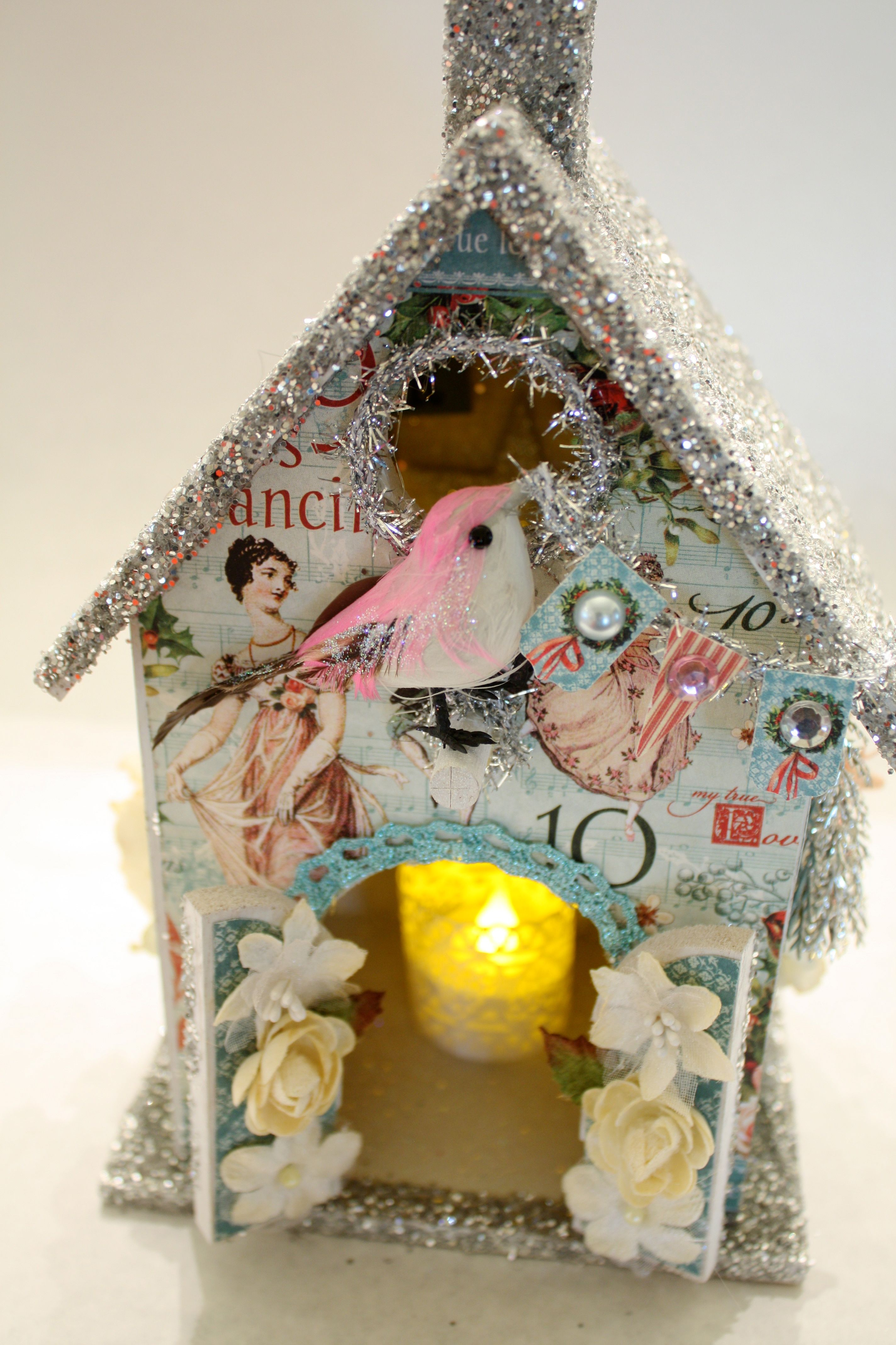 Christmas House By Petaloo Dt Member Denise Hahn It Features
