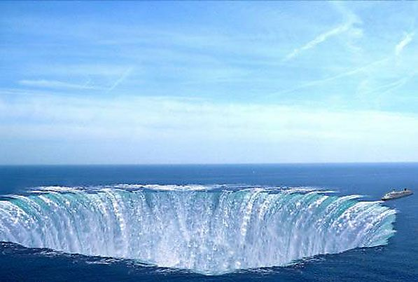 antarctica pyramids   PyramidsOf Glass Submerged In The Bermuda Triangle