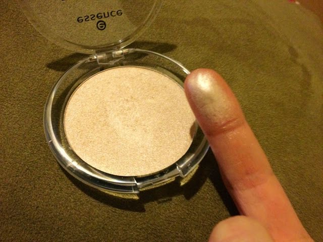 $3 dupe for The Balm's Mary Lou-Manizer is Essence Highlighter Powder in Metal Glam!