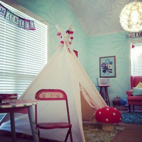 everyone needs a little space just for themselves... marlee pearl's teepee♥