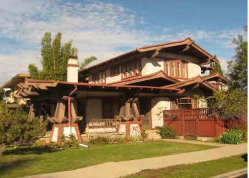 Pillar To Post Defining The Amazing Venerable Calif Bungalow Bungalow Design Craftsman Style Homes Craftsman House
