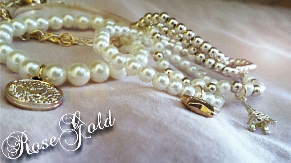 Set di bracciali perle&oro Shop: https://m.facebook.com/RoseGoldBijoux