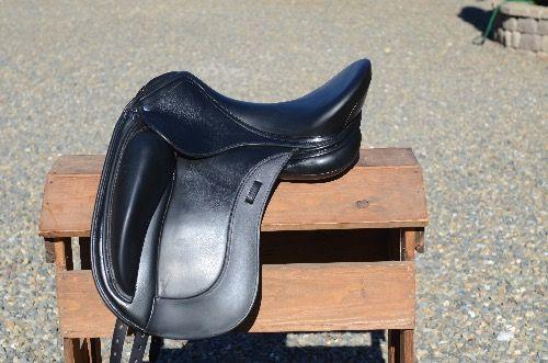 Terrific Excellent Condition Schleese Obrigado Plus Dressage Saddle Beatyapartments Chair Design Images Beatyapartmentscom