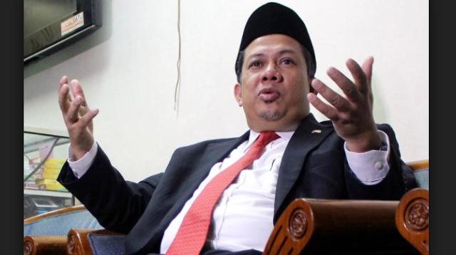 Sebut Penahanan Ahok Penuh Sandiwara Fahri: Kacau Negara Seperti ini http://news.beritaislamterbaru.org/2017/06/sebut-penahanan-ahok-penuh-sandiwara.html