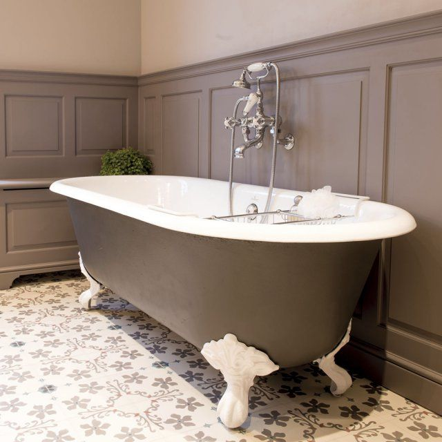 baignoire sur pied la touche chic de la salle de bains bathtubs bath and bath room. Black Bedroom Furniture Sets. Home Design Ideas
