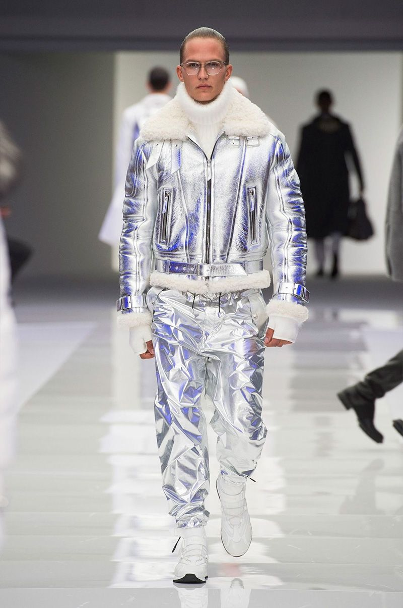 5f397d41d61f Versace Embraces Space Age Fashions for Fall Collection | Men ...