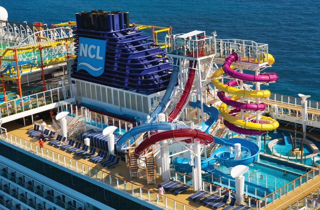 Norwegian Breakaway pool. Norwegian cruise, Cruise