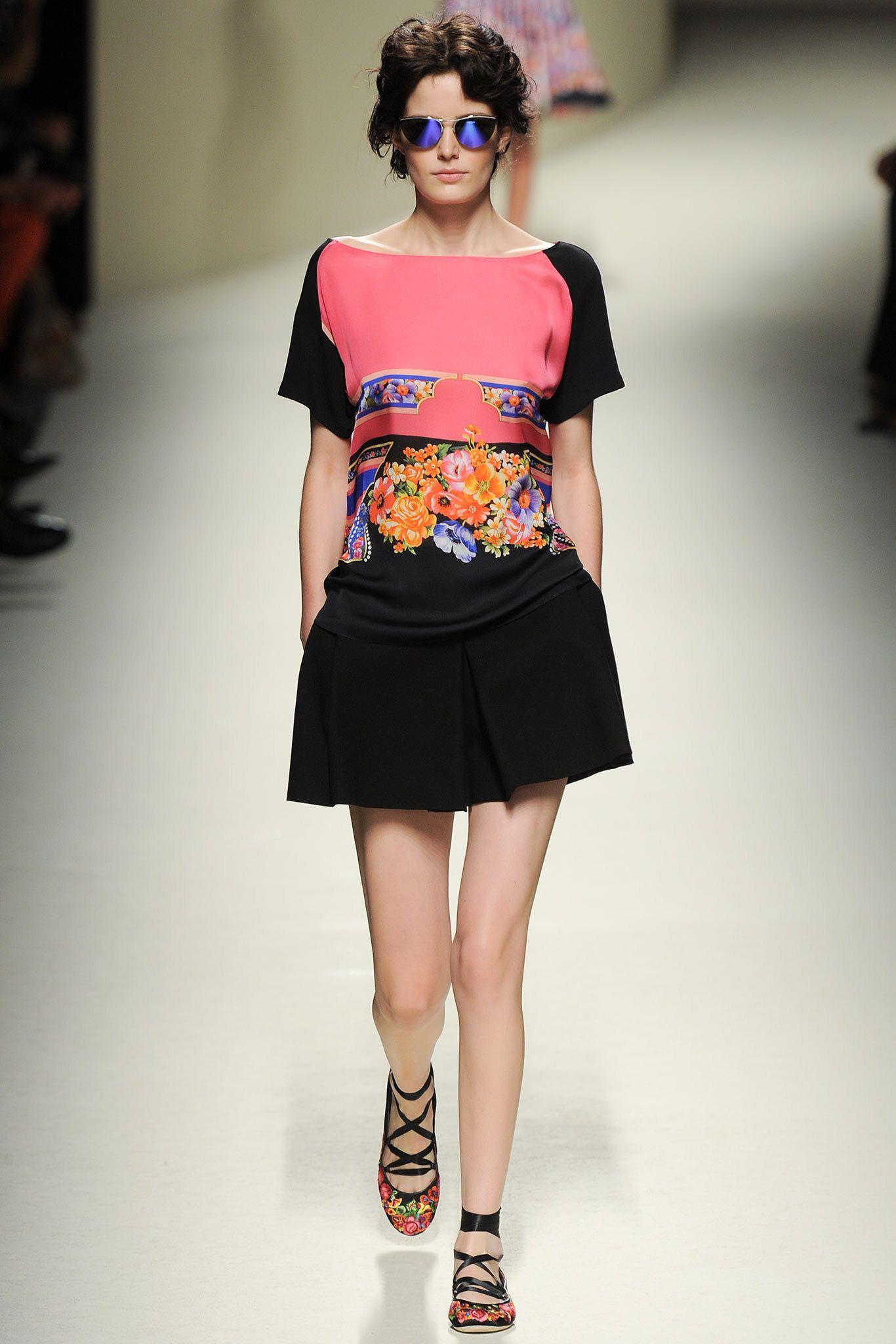 Alberta Ferretti Spring 2014 Ready-to-Wear Fashion Show - Ophelie Guillermand