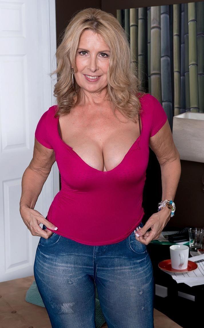 Mature women pics amateur