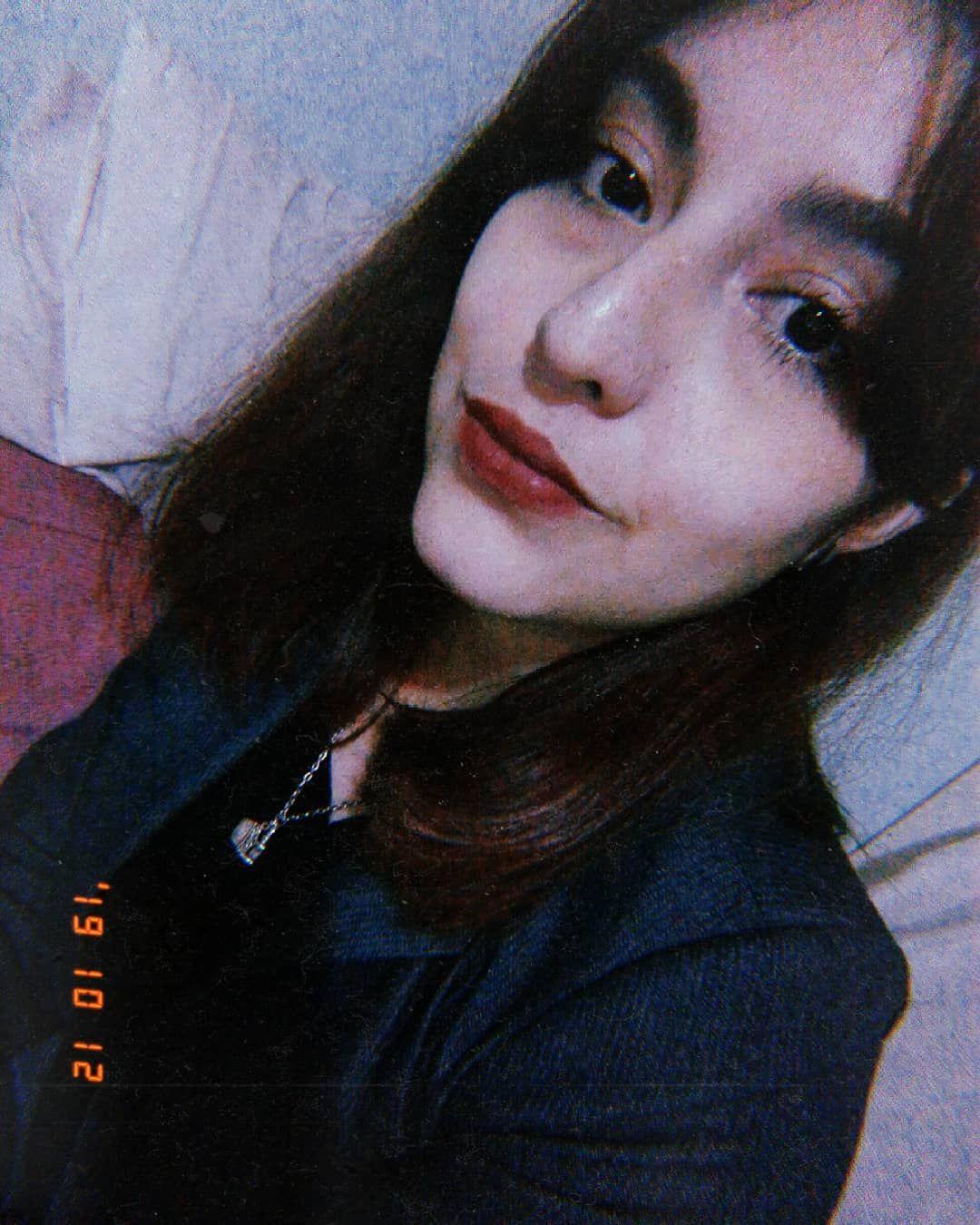 Les Digo Que El Flequillo Mal Cortado Por Mi Esta De Moda Selfie Me Fridaynight Cinema Huji Hujicam Vsc Vsco Vs Instagram Posts Instagram Image