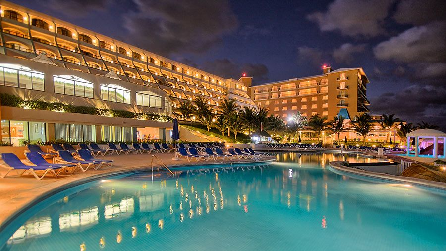 Escape the winter gloom now and live it up in #Cancun http://holidayplace.co.uk/holiday/special/879 Let the Caribbean sunshine make you glow from the inside out when you stay at Cancun's Golden Parnassus resort - a truly luxurious all inclusive retreat where you'll be wanting for nothing