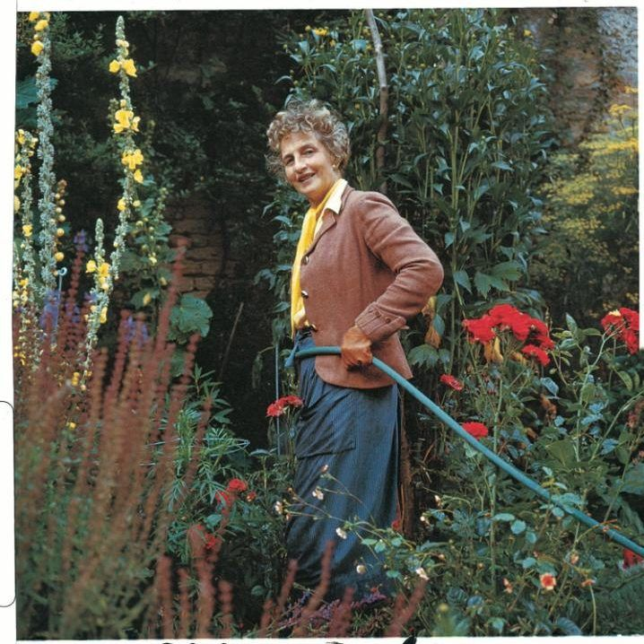 Best Clothes To Wear For Gardening
