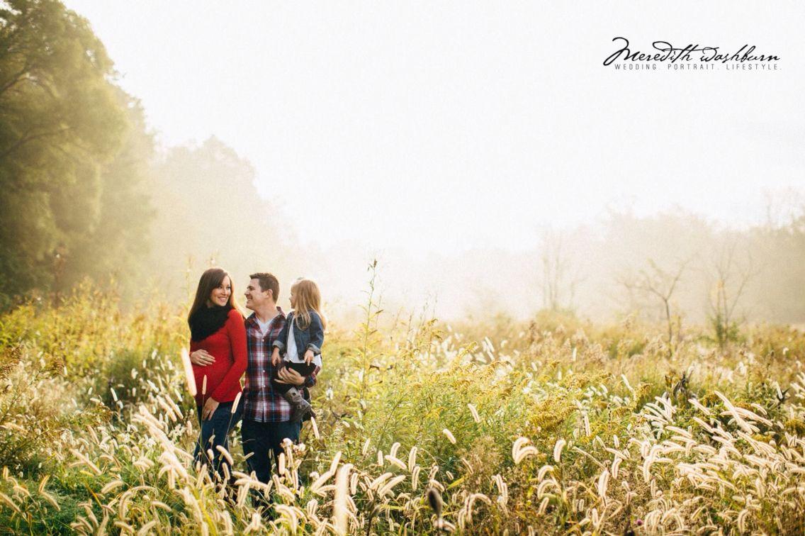 Maternity photography. Family photography. Fog photoshoot  Www.meredithwashburn.com Www.meredithwashburnblog.com