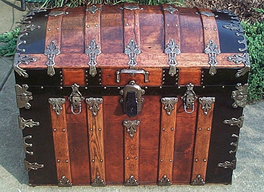 How To Restore Antique Trunks And Trunk Restoration Refurbished Trunks And Antique Steamer Trunk Restoratio Antique Steamer Trunk Antique Trunk Antique Chest