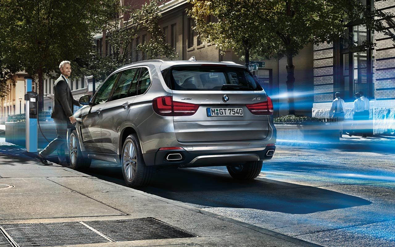 Bmw X5 Xdrive40e In Glacier Silver Metallic With Light Alloy Wheels