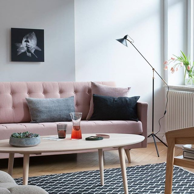 Girly pink is finally getting a more mature look in combination with - wohnzimmer grau rosa
