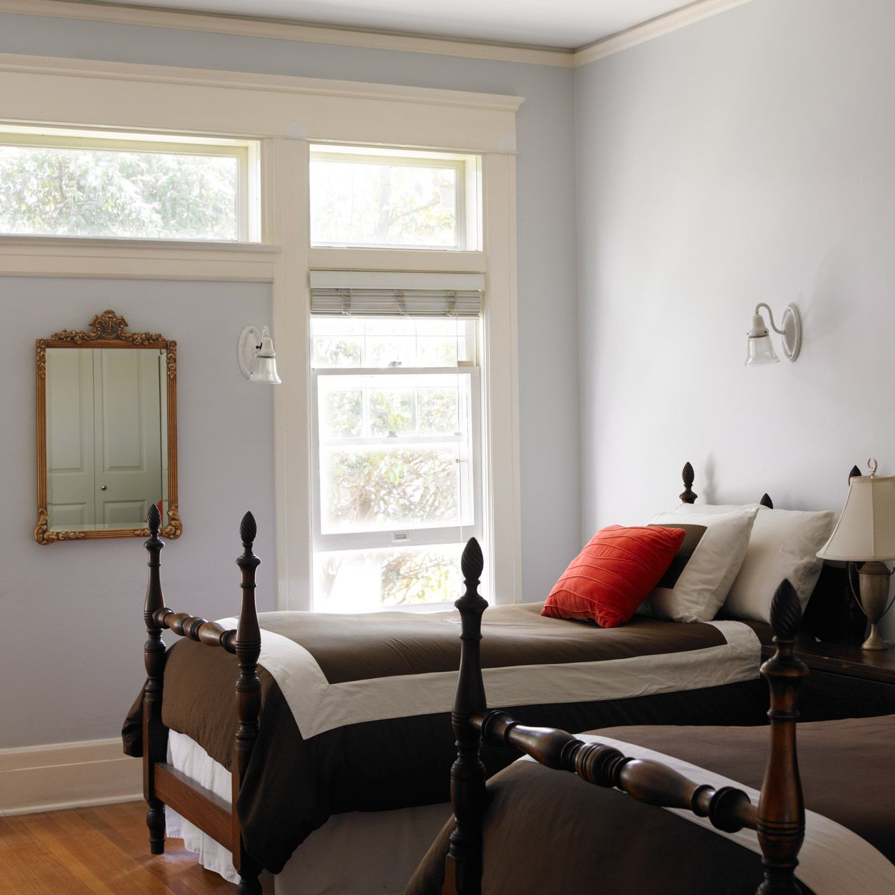 Dunn-Edwards Paints paint colors: Walls: Cold Wind DE6351; Trim: White
