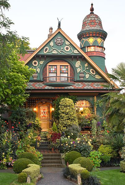 The Coleman Home Of Seattle Washington Photographed At Dusk For The Imtimate Garden And Also