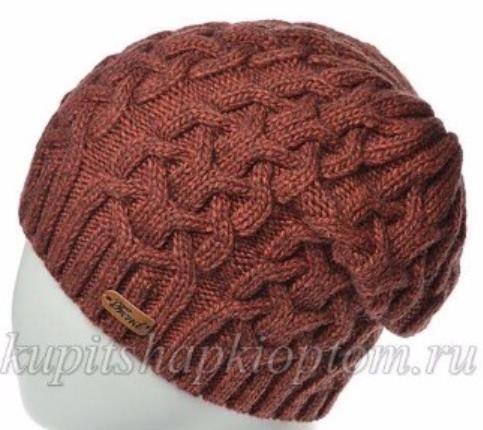 приятная универсальная шапка с косами спицами схема предложена