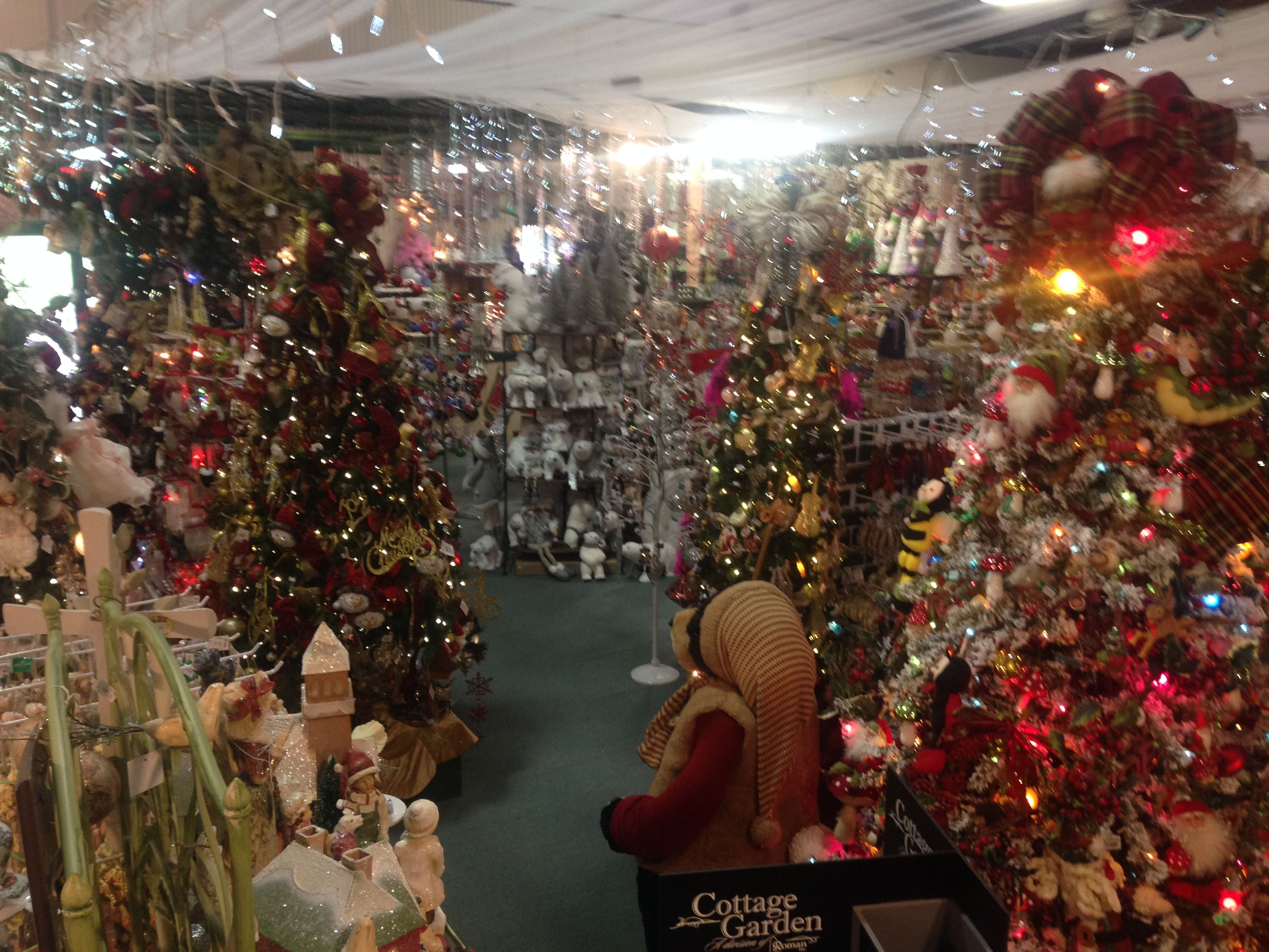 The Christmas Factory, Marshalls Creek PA | LV - Malls and Outlets ...