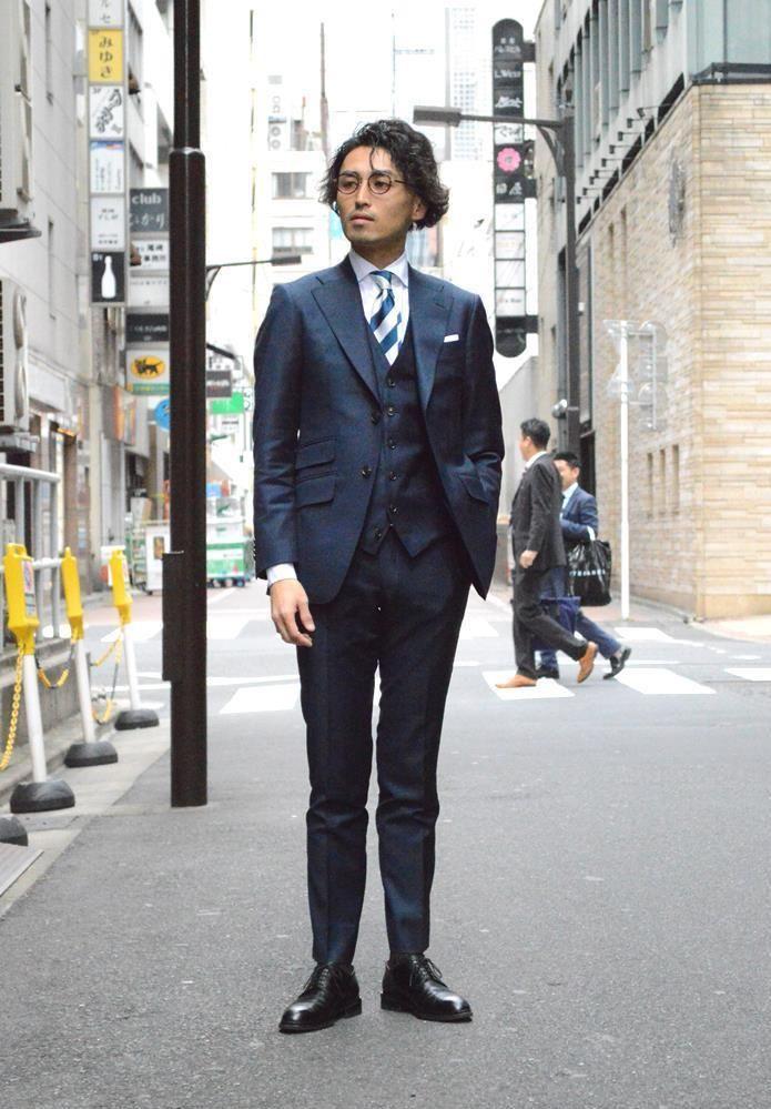 王道の紺無地スーツ – 銀座7th店
