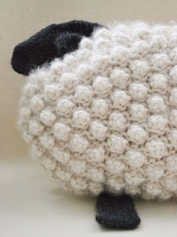 Bobble Sheep Pillow .. free knit pattern | Crochet | Pinterest ...