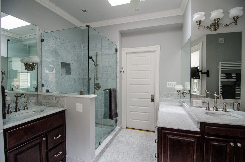 View picture of White Carrara Marble Bathroom with resolution 850 x 563  Pixel and discover more photos image gallery at Master Bathroom Ideas.