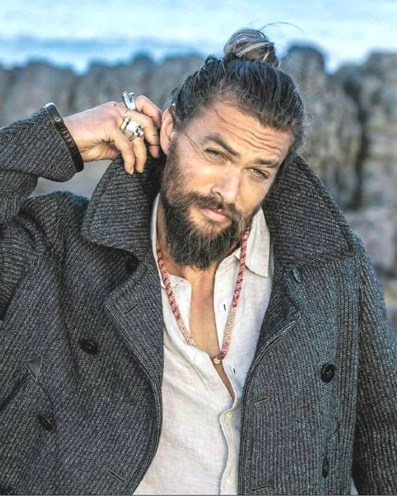 20 BEST JASON MOMOA MAN BUN STYLE 2019 #hollywoodmen