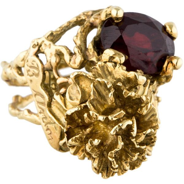 Pre-owned Garnet Flower Ring ($1,045) ❤ liked on Polyvore featuring jewelry, rings, joias, garnet ring, garnet jewelry, pre owned rings, preowned rings and garnet jewellery