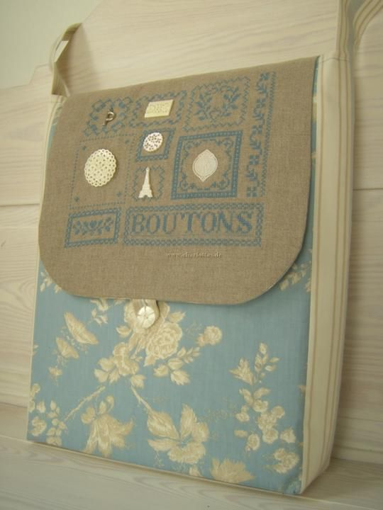 Bag with linen and french cotton - pattern from french cross stitch designer - name unknown