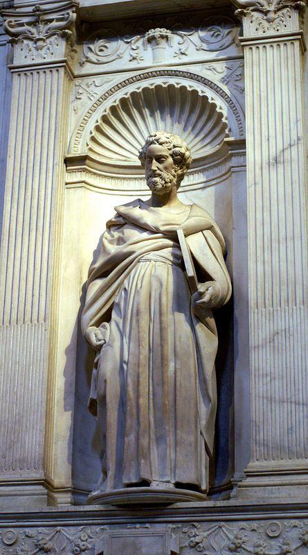 Siena, Duomo Santa Maria Assunta, Piccolomini-Altar, hl. Petrus von Michelangelo gemaakt tussen 1501 en 1504