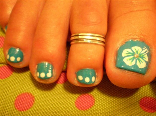 Blue With White And Green Hibiscus Nail Art Gallery Hibiscus Nail Art Toe Nails Pedicure Nail Art
