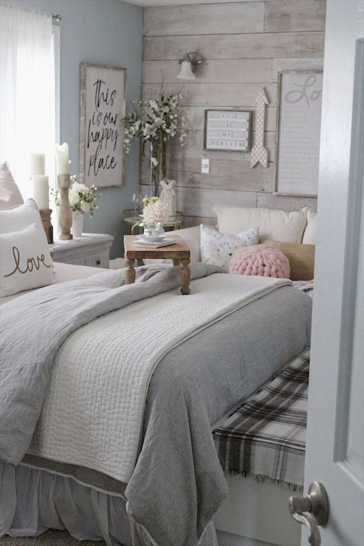 55 Lovely Farmhouse Bedroom Ideas Beautiful Ideas Beautiful Bedroom Farmhouse Ideas Remodel Bedroom Master Bedrooms Decor Small Master Bedroom