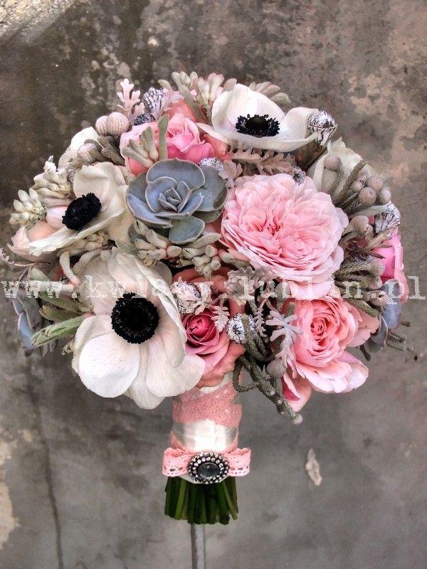 Bukiet Slubny Z Anemonami Floral Floral Wreath Flowers