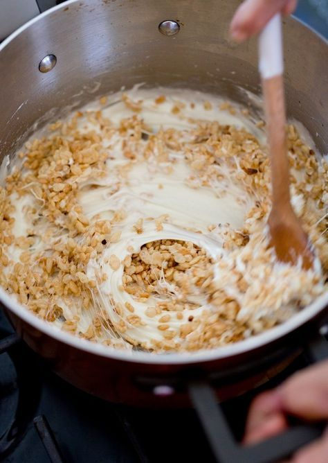 How To Make Better-than-the-Box Rice Krispies Treats #ricekrispiestreats