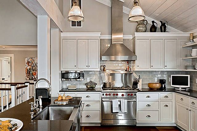 Matching Pendants In Kitchen With Vaulted Ceiling Ranch Kitchen