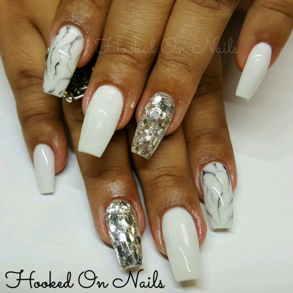 Marble effect, coffin nails, silver glitter, white nails ...