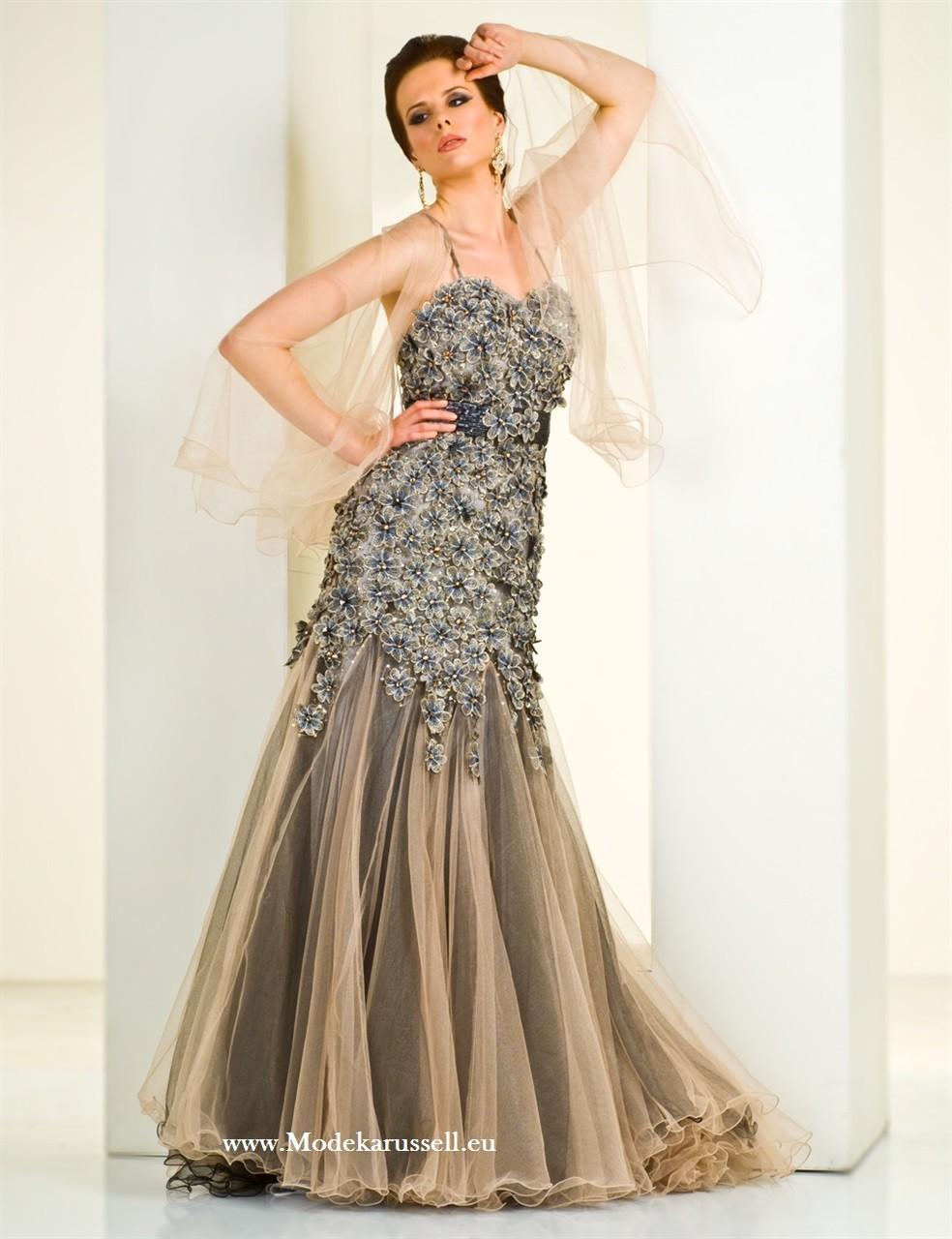 Schickes Abendkleid Online Mit Blumen  Coole kleider, Abendkleid