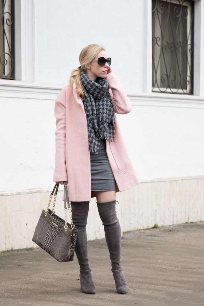 Ultimate Classy Pink Pastel Coat Outfit Ideas For This Winter ...