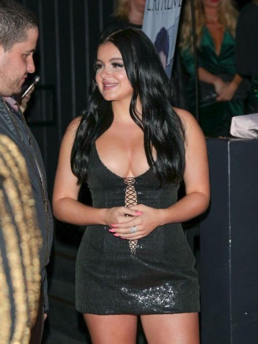 ariel winter hot in black at an event