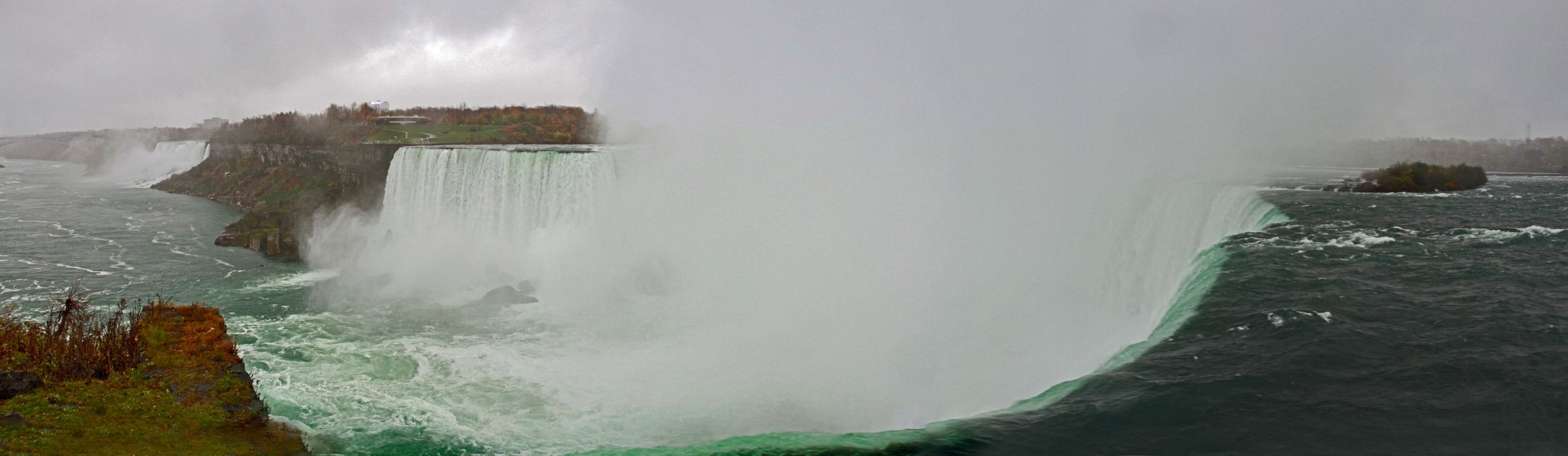 One of the stops at my just finished road trip across North America included Niagara Falls, which looks best at the Canadian side. This panorama is from the Horse Shoe fall where the water flows over the fall like molten glass. Fabulous!