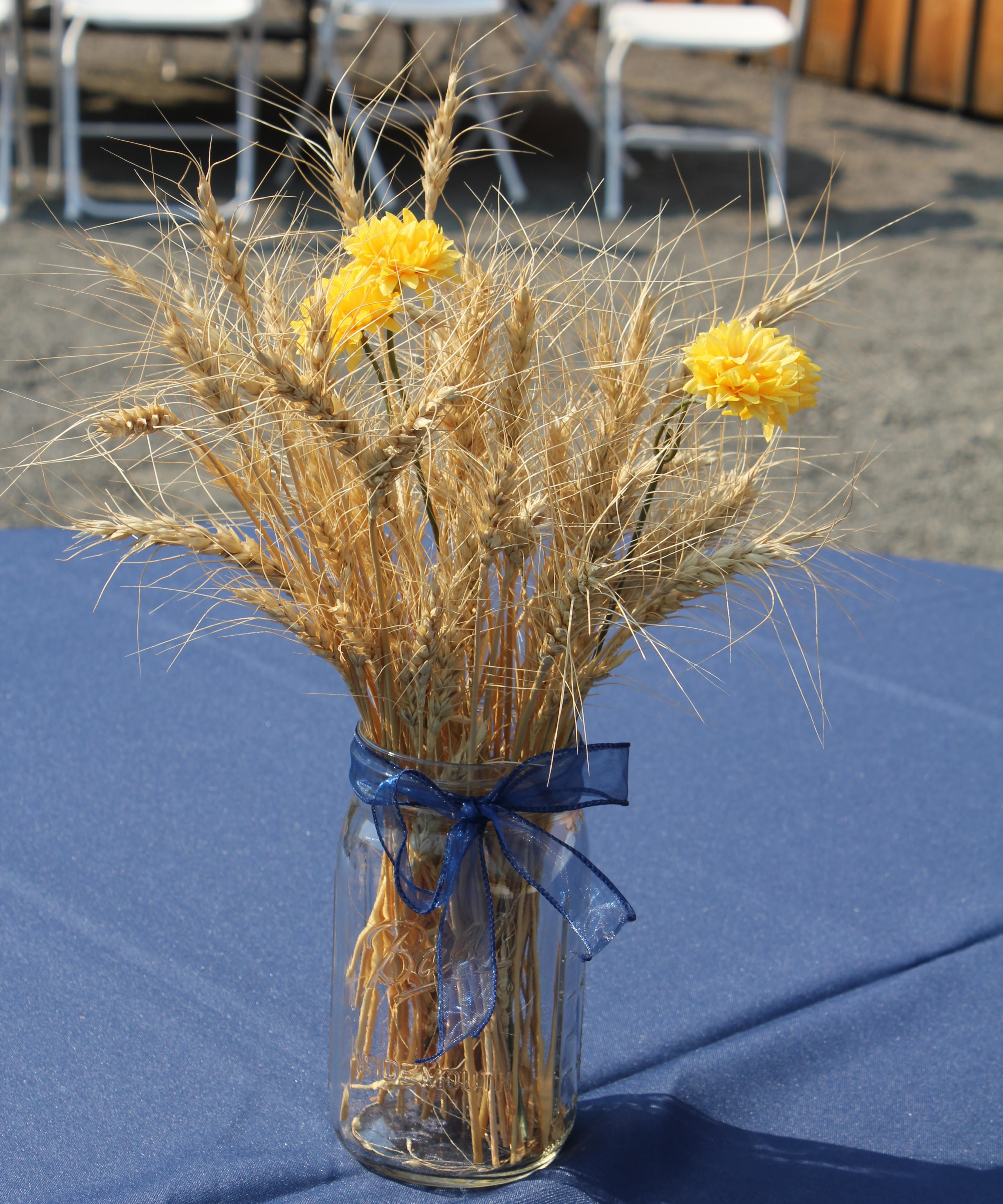 Simple Country Wedding Ideas: Table Centerpieces – Simple