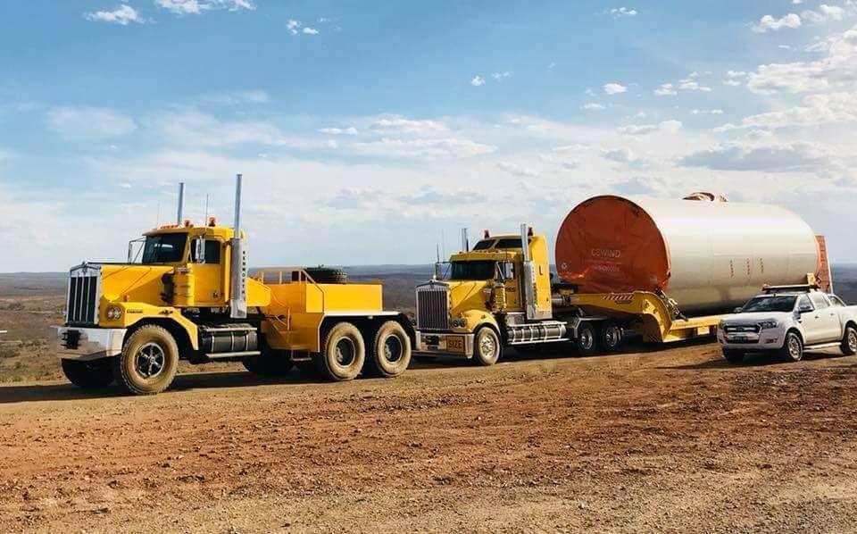 Guns oil dirt kenworth trucks kenworth haulage