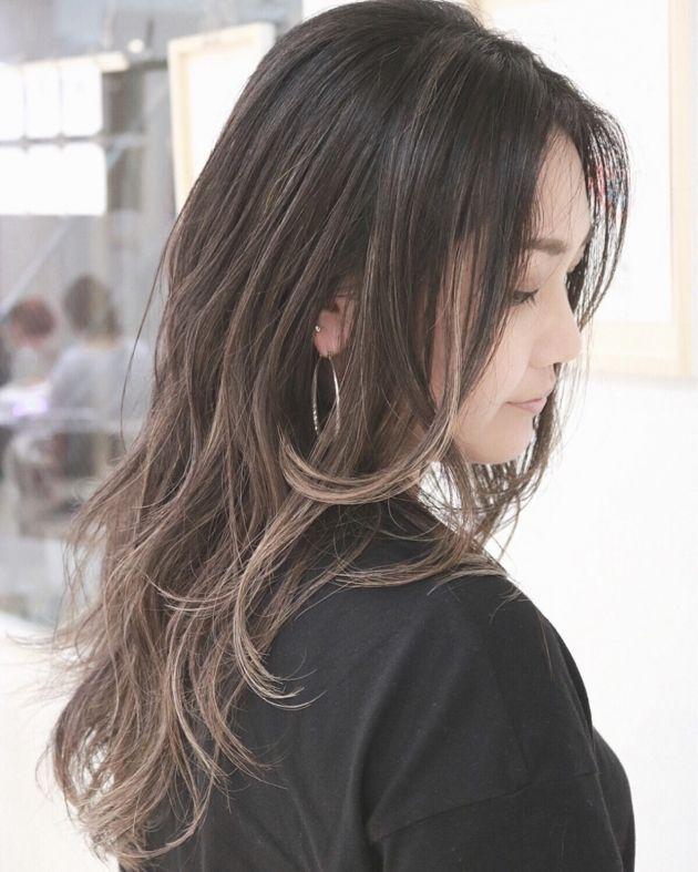 30代でもできる オフィスで浮かない大人グラデーションカラー Yahoo Beauty ロングヘア 髪型 ヘアスタイル ロング
