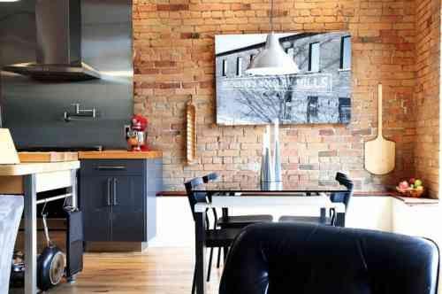 déco de mur de cuisine et salle à manger avec briques rouges