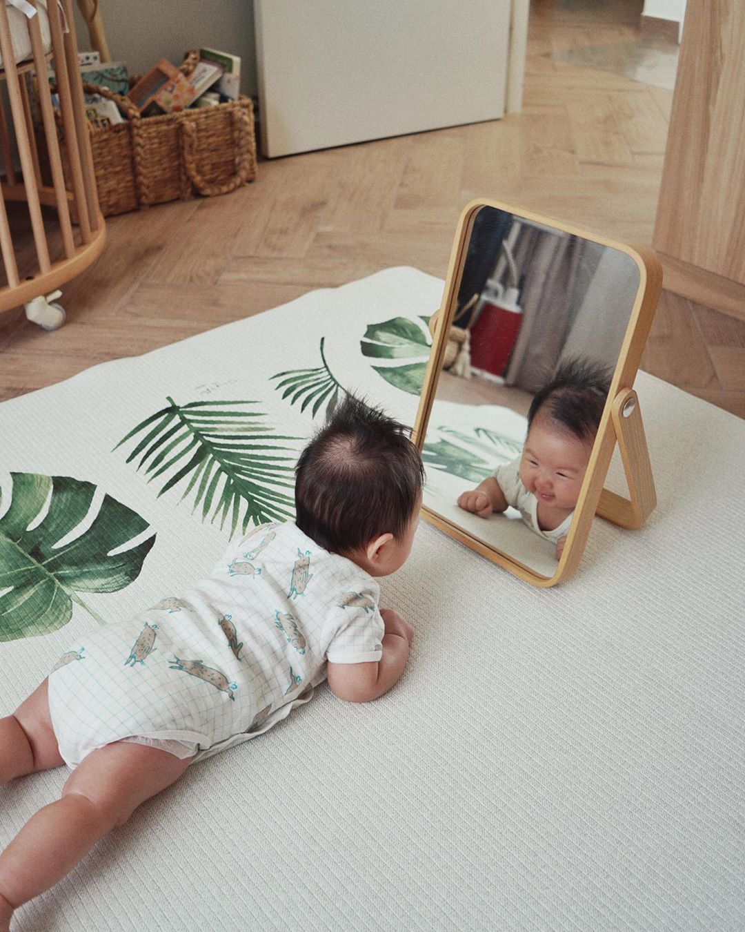 Sherlyn On Instagram Put A Mirror In Front Of Your Baby During Tummy Time To Motivate Her To Lift Her Head Here S The Tummy Time Animation Artwork Kids Rugs