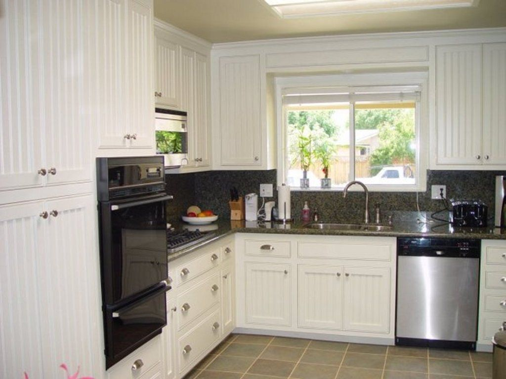 beadboard kitchen cabinets - Yahoo Image Search Results | Kitchens ...