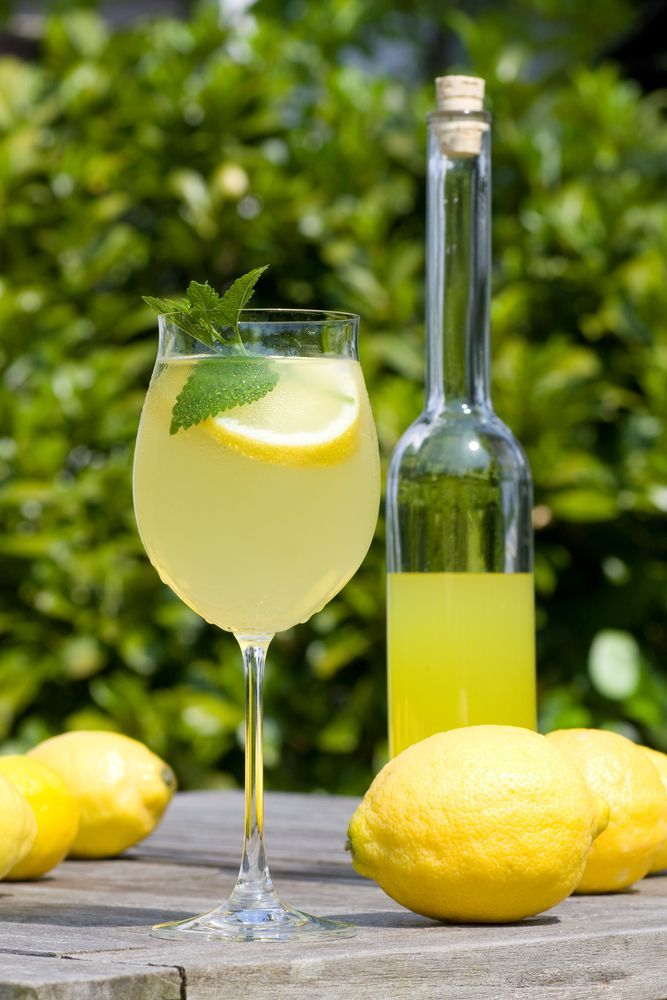 Tips The Best Wedding Cocktail Hour Oh Wedding Day Limoncello Recipe Limoncello Drinks