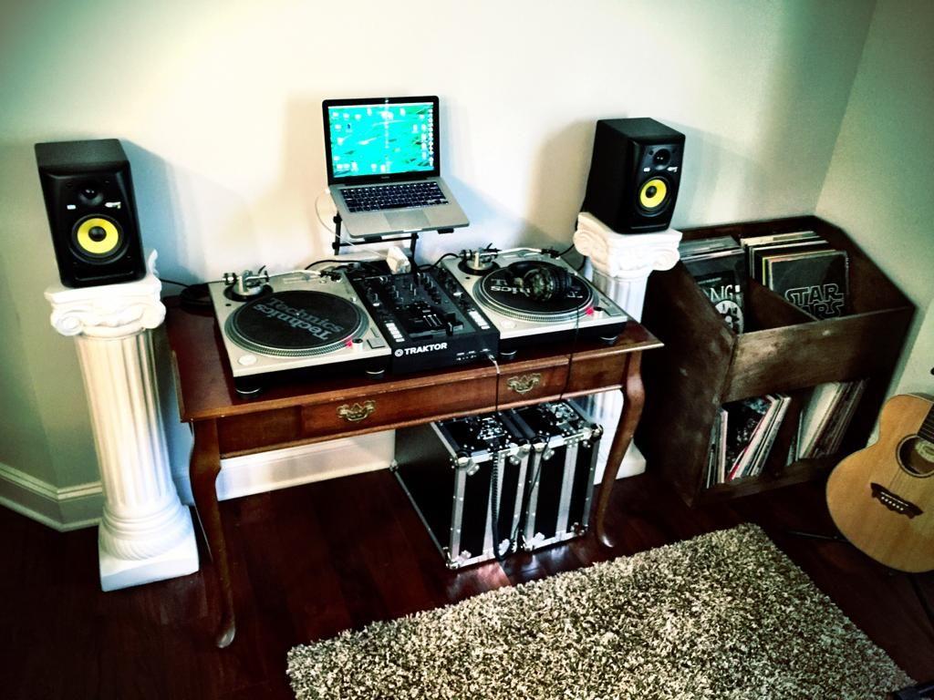 the gatsby vinyl setup djing djing equipment turntable setup digital dj dj table. Black Bedroom Furniture Sets. Home Design Ideas